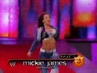 Mickie James vs. Melina